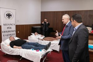 President Meta in Pogradec, within the cause for blood donation President Meta in Pogradec, within the cause of blood donation: The contribution of each of you through voluntary blood donation has tremendous value.